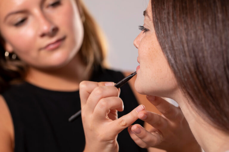Careers in makeup industry and Career Opportunities for a Makeup Artist